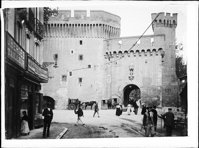 Bâtiment fortifié et porte Notre-Dame : façade intra-muros
