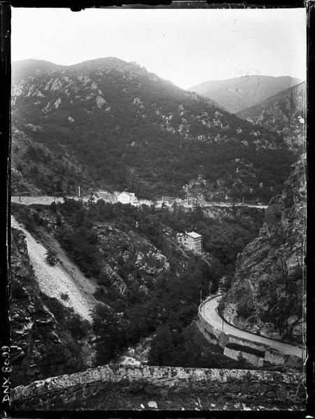 Paysage de montagne : route de Vernet-les-Bains à Mont-Louis