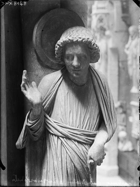 Intérieur, pilier du Jugement dernier ou pilier des Anges : saint Jean, vue partielle