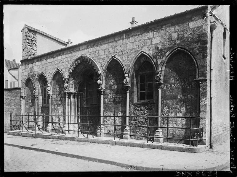 Ruines de la chapelle : façade