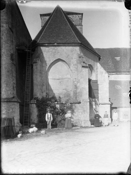 Eglise abbatiale : chapelle jouxtant l'abside
