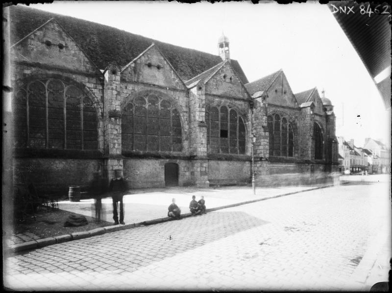 Eglise abbatiale : façade nord