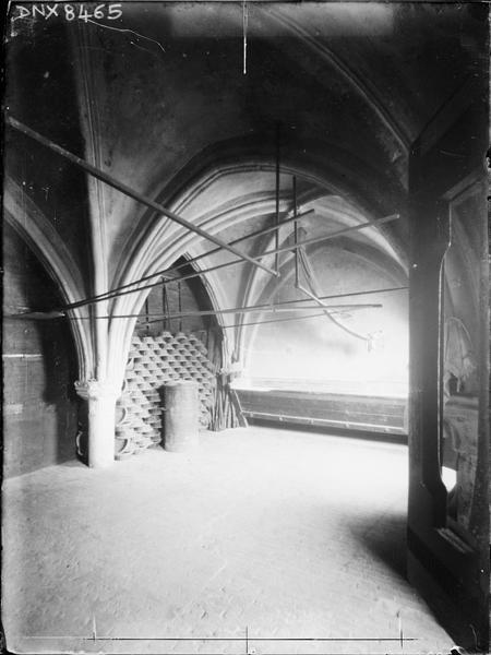 Eglise abbatiale, intérieur : salle voûtée