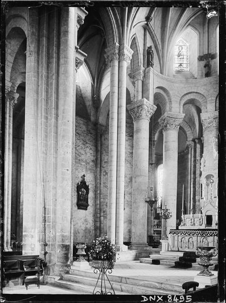 Eglise abbatiale Saint-Pierre, intérieur : partie nord du choeur