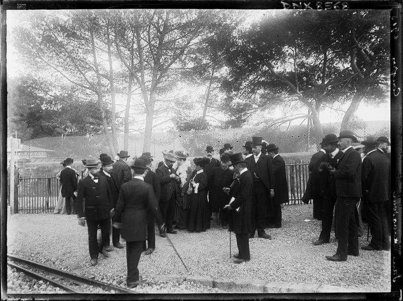 Participants au congrès de 1905 sur les quais de la gare de San-Salvadour