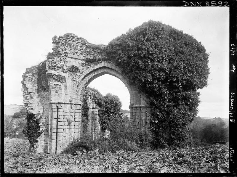 Chapelle : ruines