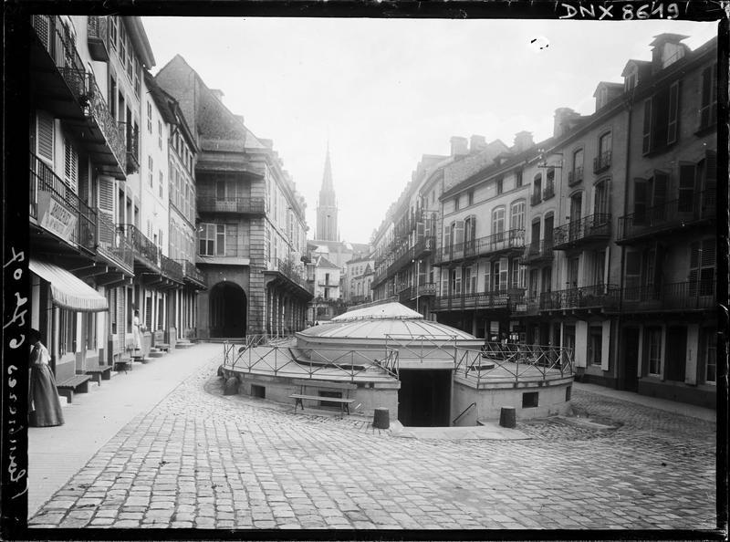 Entrée sur la place, et vue perspective de la rue Stanislas