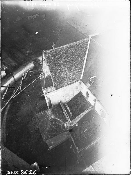 Vue plongeante sur la toiture de la croisée du transept, prise de la tour