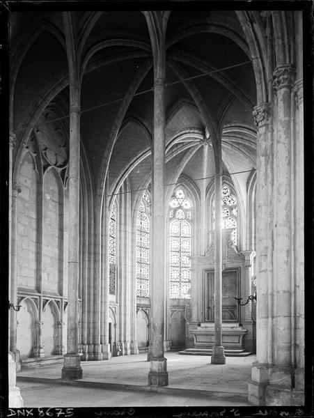 Eglise abbatiale, intérieur : chapelle absidiale, vue diagonale