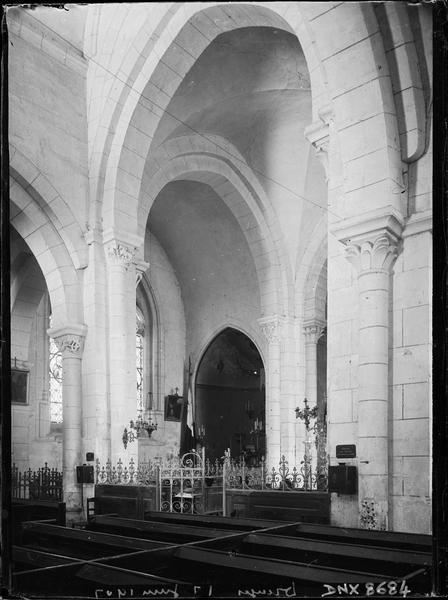 Intérieur : croisée du transept et choeur