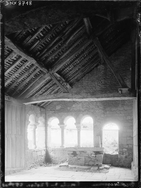 Intérieur du porche