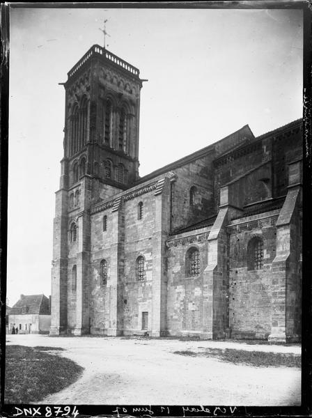 Partie de la façade sud vers l'ouest et clocher