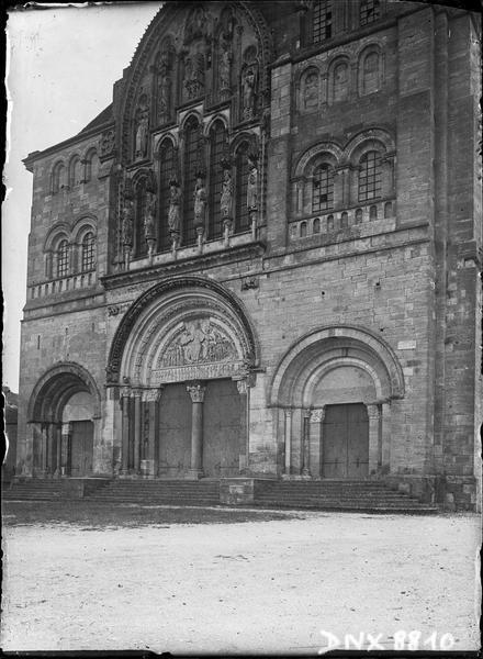 Partie de la façade ouest, vue diagonale
