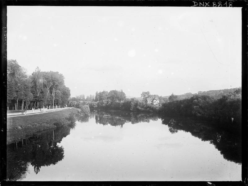 La Seine et ses berges : vue perspective