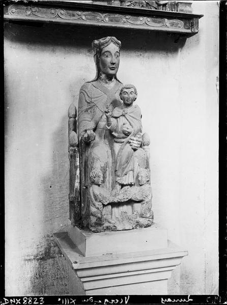 Statue : Vierge à l'Enfant en bois sculpté