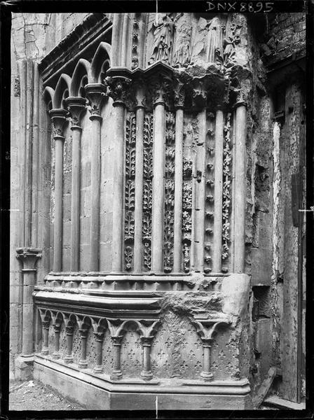Portail du transept sud : piédroit gauche