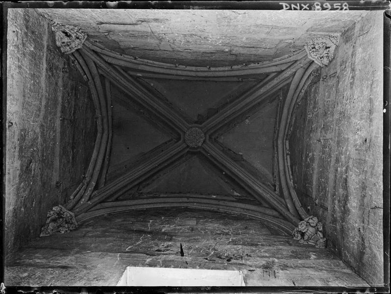 Donjon, intérieur, deuxième étage : voûte de l'antichambre