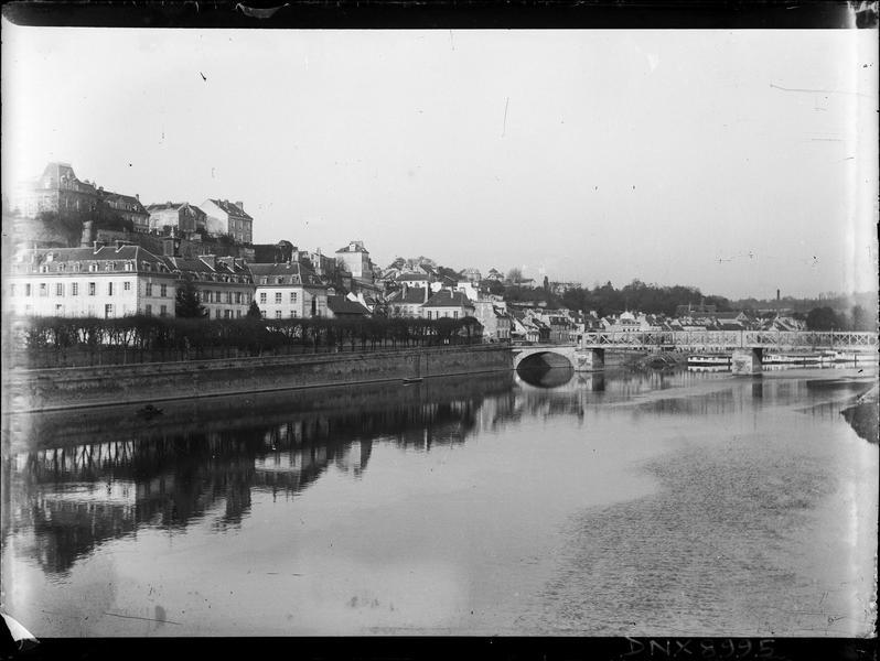 Quais de l'Oise et pont métallique