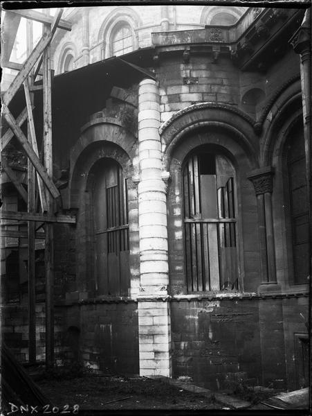 Partie de l'abside, échafaudage