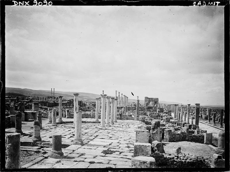 Vue en arrière-plan des ruines