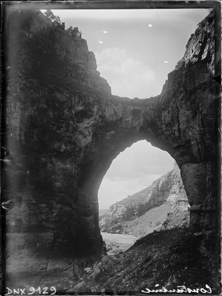 Arche naturelle dans les gorges du Rhummel