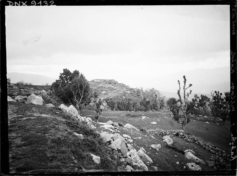 Village kabyle vu depuis la campagne environnante