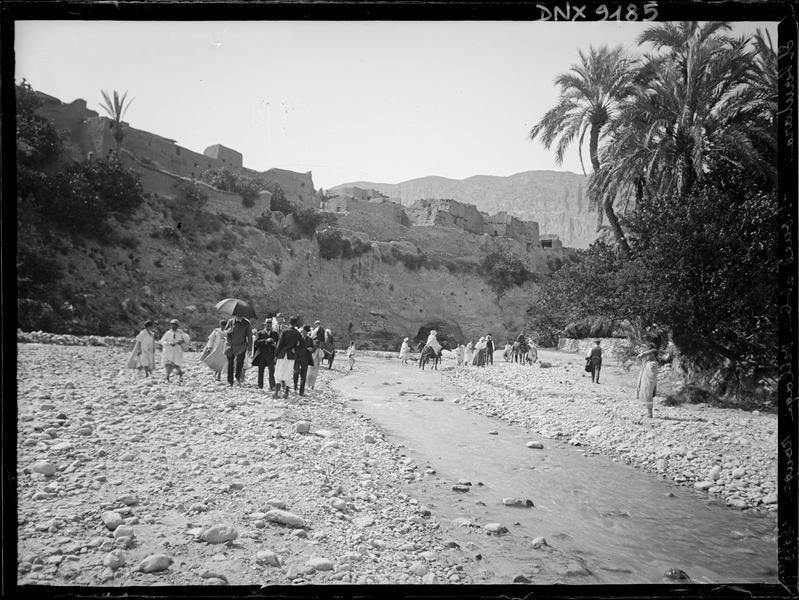 L'oued au pied de Dahraouia, dit le village rouge