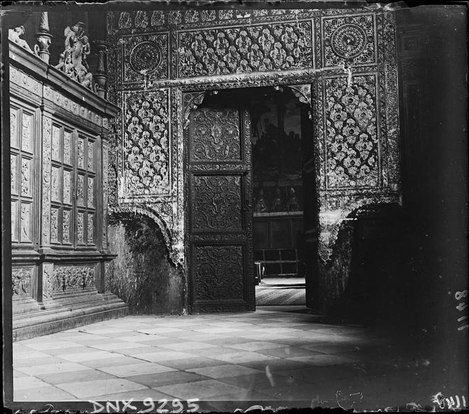 Intérieur, antichambre de la salle capitulaire : porte de style mudejar