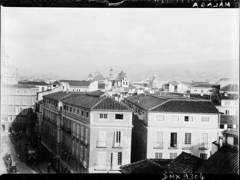 Immeubles et toits de la ville