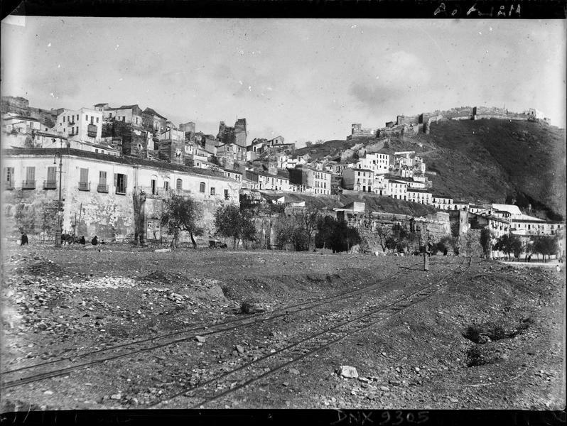 Maisons à flanc de colline