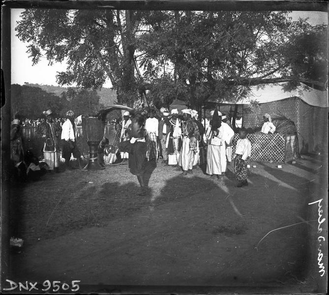 Danses traditionnelles pendant les régates