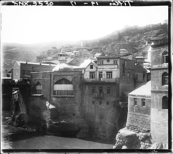 Quartier de la vieille ville au pied de la forteresse
