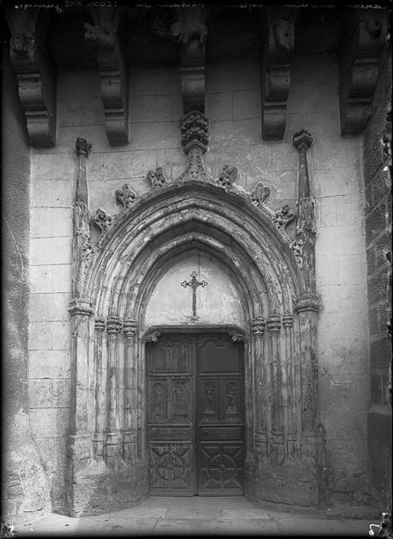 Portail et vantaux sculptés