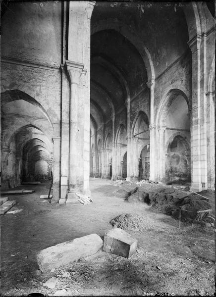 Eglise : nef et bas-côté