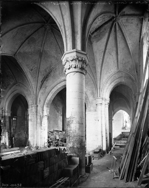 Intérieur : piliers et voûtes