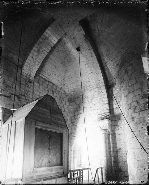 Intérieur du clocher ouest : voûtes du 1er étage