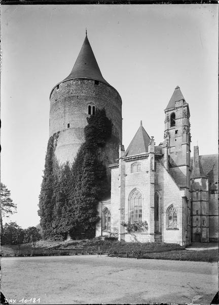 Donjon de Thibaud V et Sainte Chapelle