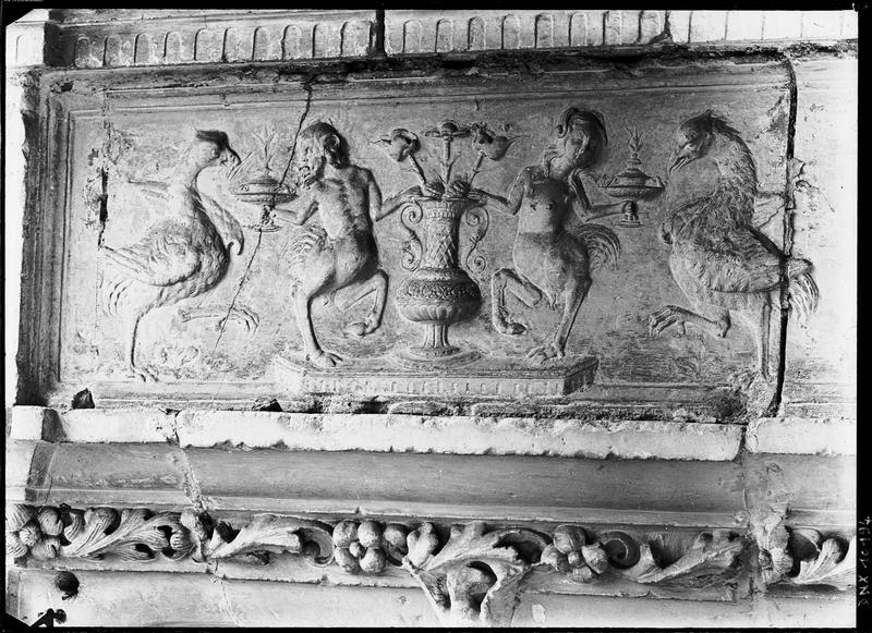 Frise Renaissance : personnages et oiseaux fantastiques