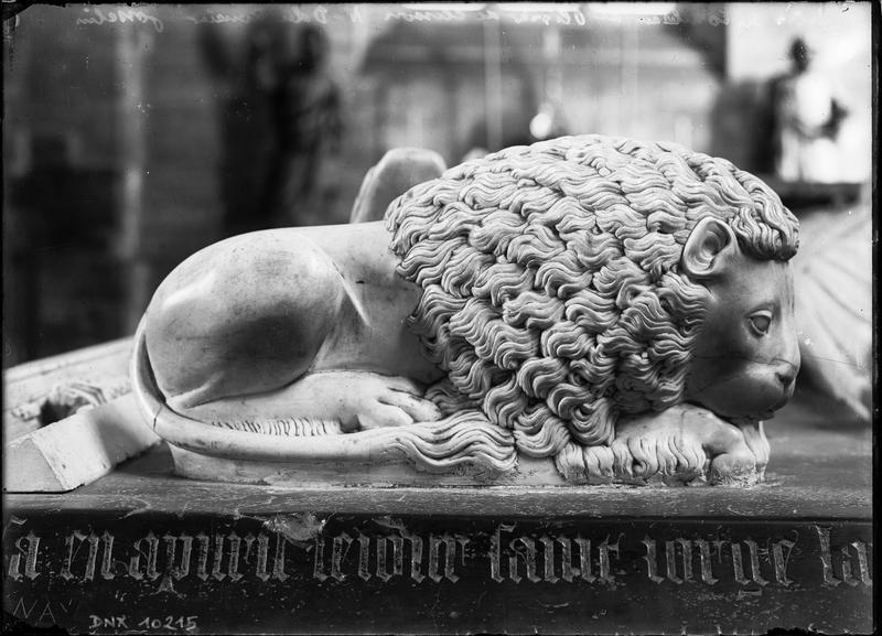 Tombeau d'Olivier de Clisson et de Marguerite de Rohan : détail du lion