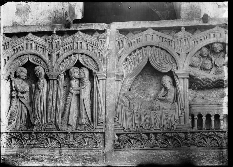 Tombeau roman, dit de Guillaume de Ros, scènes sculptées : l'Annonciation, la Visitation, le doute de saint Joseph