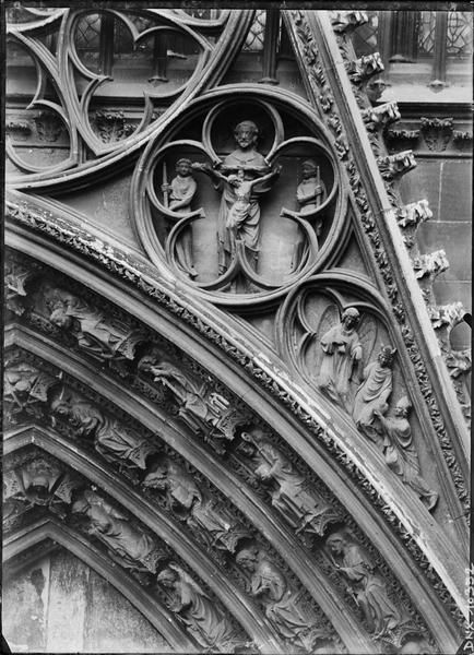 Croisillon nord, portail des libraires : côté droit du gâble