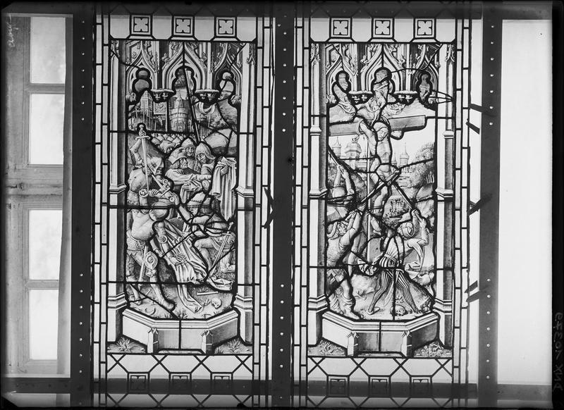 Vitrail, scènes de la Passion : Soldats tirant au sort les vêtements du Christ et le Bon Larron