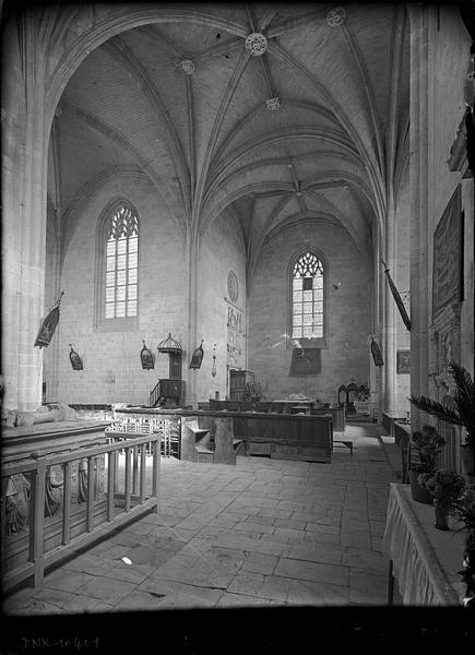 Intérieur : croisée du transept vue vers le bras nord du transept