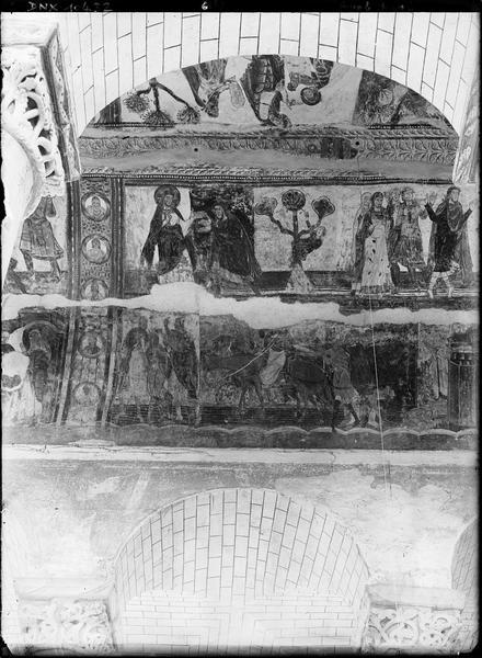 Intérieur, peintures murales ornant la voûte de la nef : Dieu bénissant Abraham, Abraham et Lot, histoire de Joseph