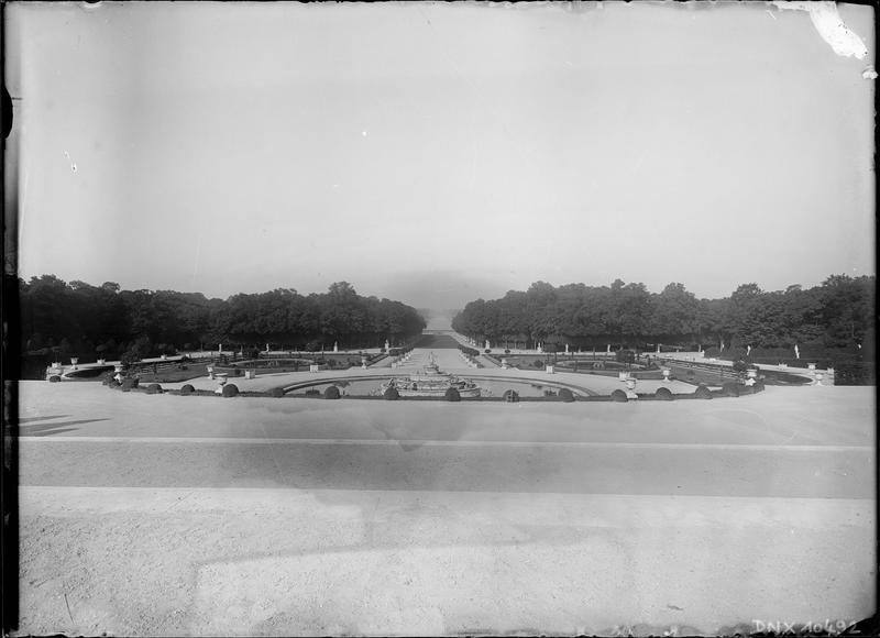 Bassin de Latone, vue perspective vers le Grand Canal