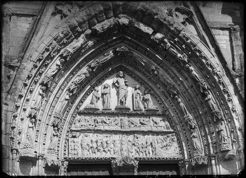 Portail central de la façade ouest : tympan