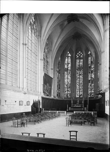 Sainte-Chapelle, intérieur : nef vers le choeur