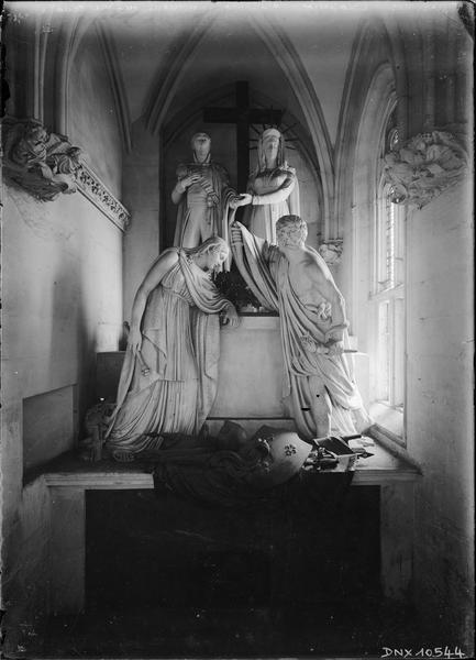 Sainte-Chapelle, intérieur : tombeau du duc d'Enghien