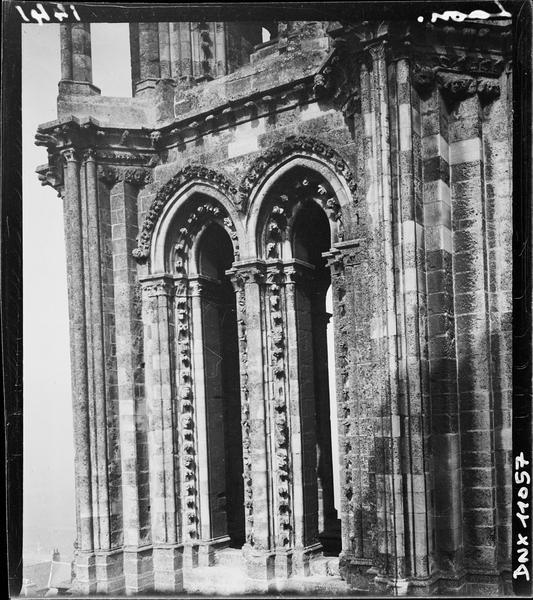 Tour ouest du transept nord