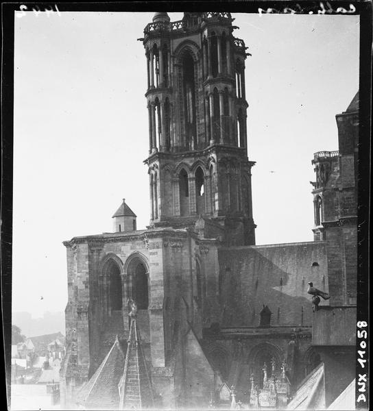 Tour du transept sud